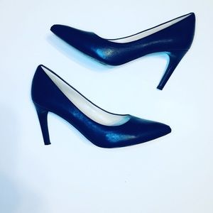 Cole Haan Navy Blue Leather Heels Size 10